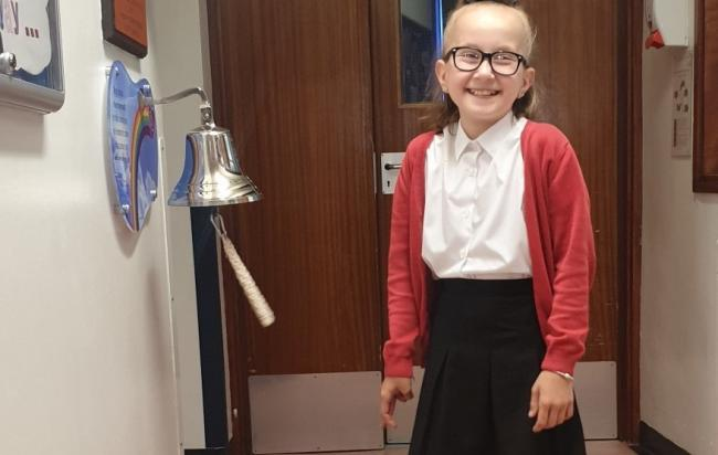 Adorable - Jessica Fornal rang the recovery bell to mark the end of treatment