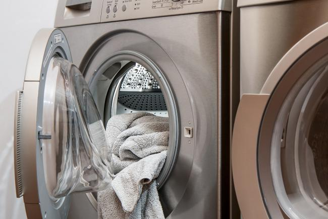 14 surprising items you can clean in the washing machine and dishwasher