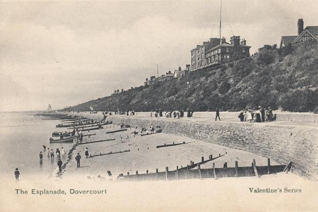 Thurrock Gazette: The hotel on the waterfront, where Marconi has set up his 120 foot radio mast.  Photo: Harwich Company