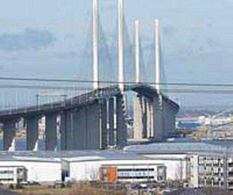 The QEII Bridge may be forced to close if forecasted stong winds are persistent enough