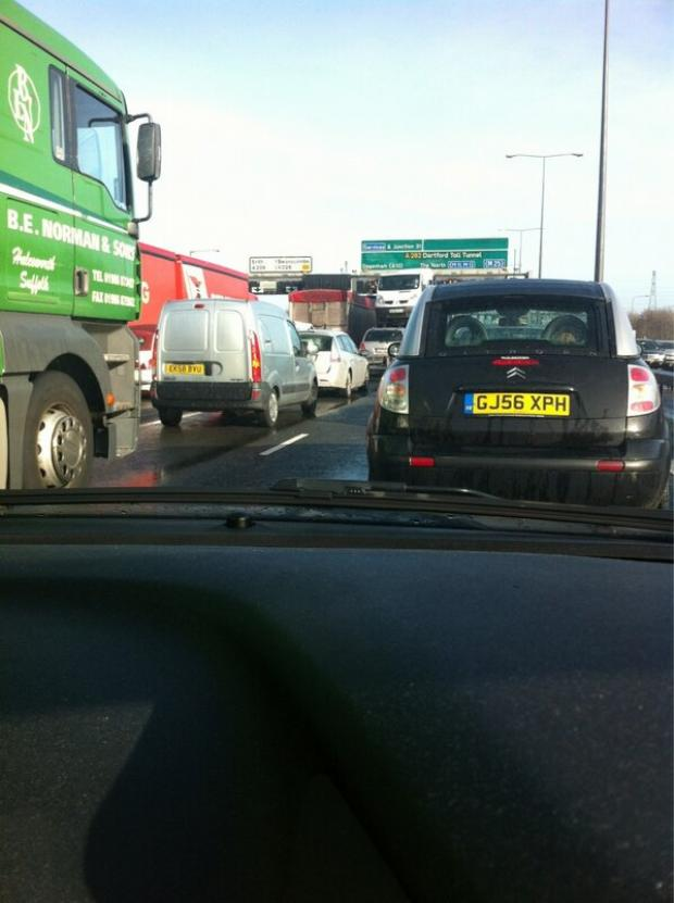 Thurrock Gazette: Crash on M25 causes chaos for Essex-bound motorists