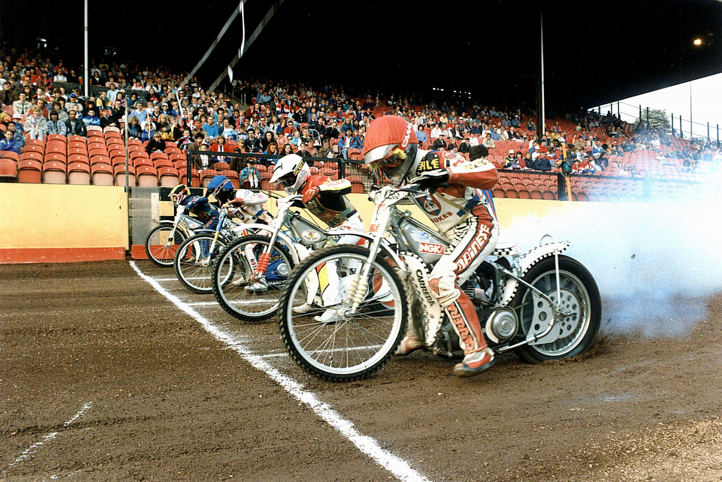 Lakeside Hammers in new deal