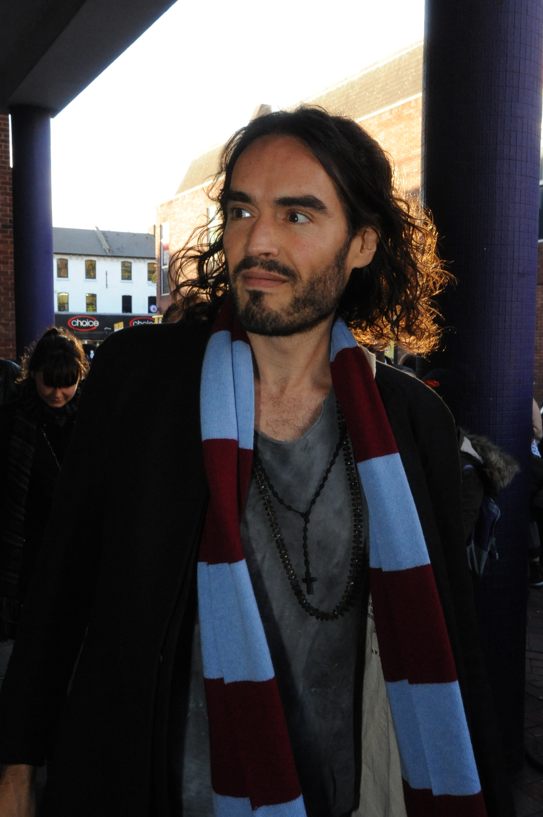 Thurrock-boy Russell Brand makes Grays return