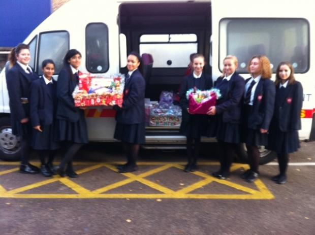 Thurrock Gazette: Grays Convent pupils deliver the Christmas hampers
