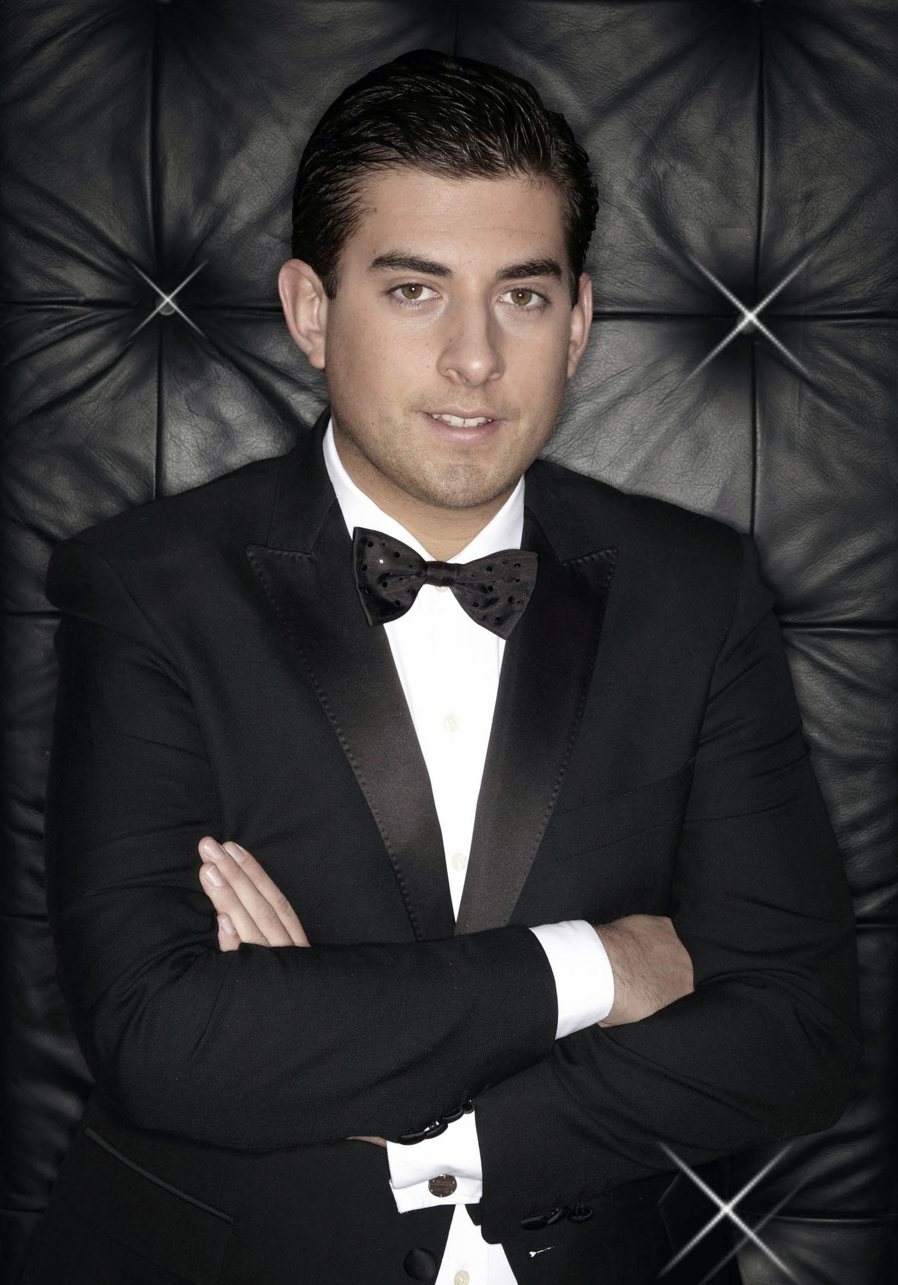 Arg will appear at Lakeside to sign copies of his new book.