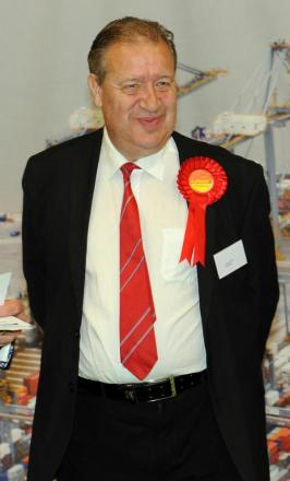 Respected senior councillor Andy Smith dies