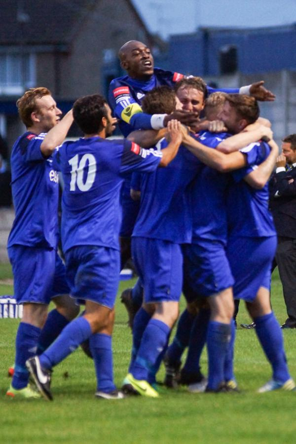 PICTURES: Aveley's season kickstarted with double triumph