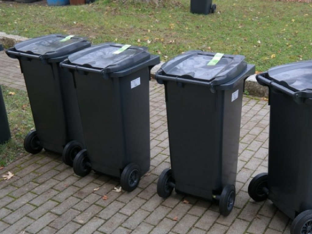 Going on strike - bin collectors
