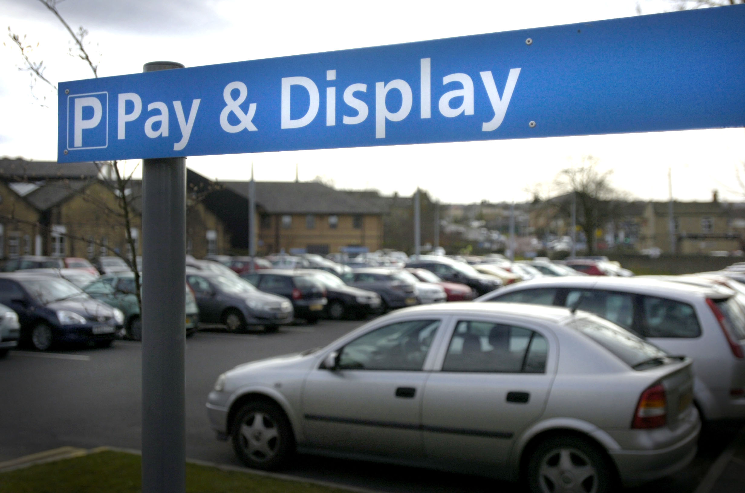Politicians back campaign to scrap hospital car park charges